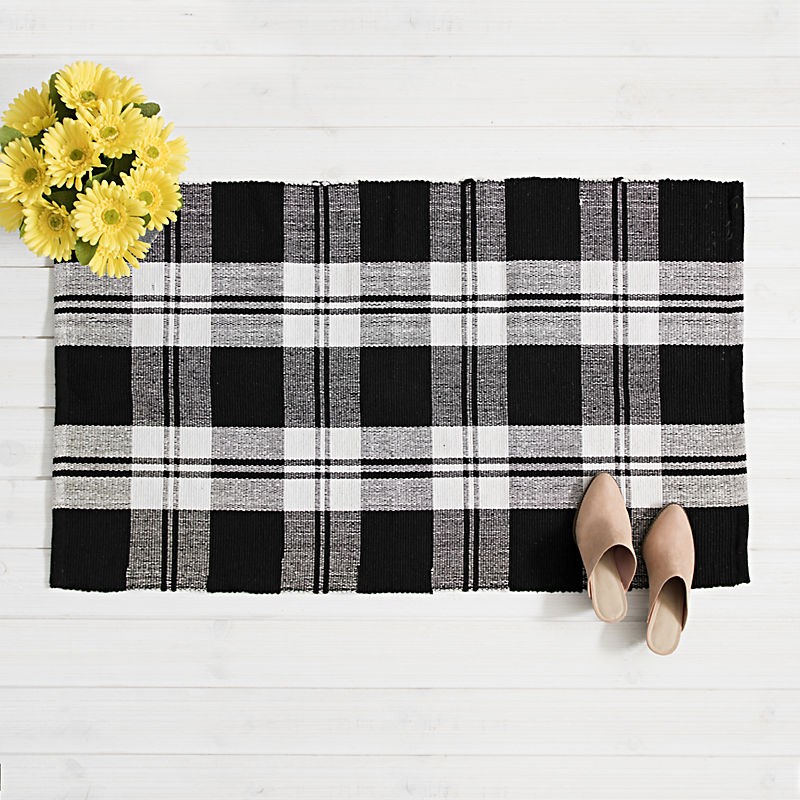 Accent Rugs Up to 25% Off
