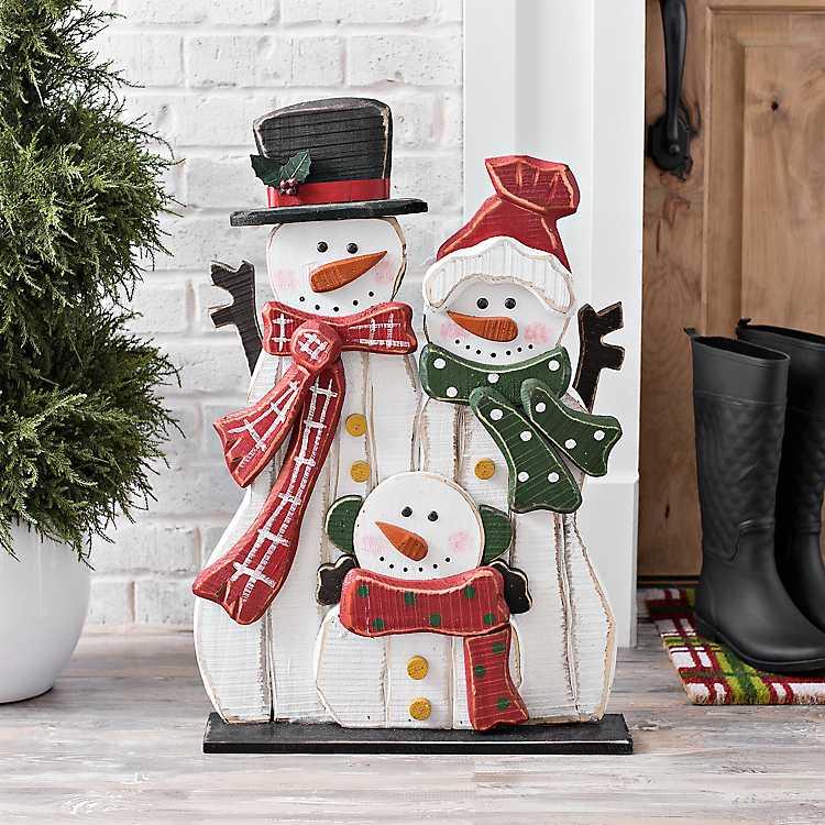 Wooden Snowman Family Statue Kirklands